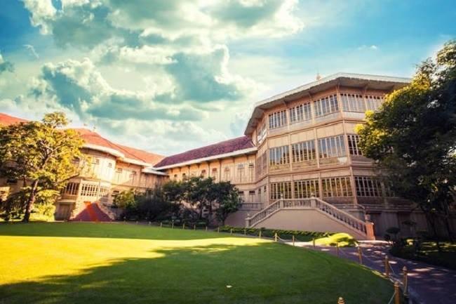 Cung điện Vimanmek mang đậm những nét riêng của văn hóa Thái.