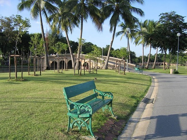 Công viên Chatuchak rộng rãi, thoáng mát để đi dạo.