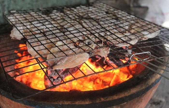 Cá chỉ vàng nướng than củi cực ngon