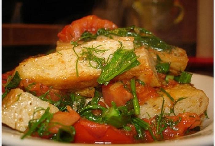 Chả cá thu pha mực sốt cá chua đậm đà khó quên